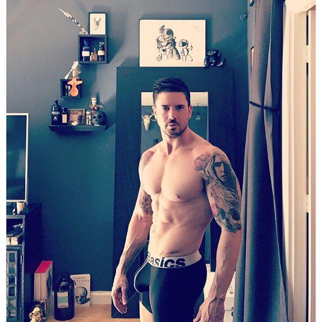 Tetovaže in veliki tiči
