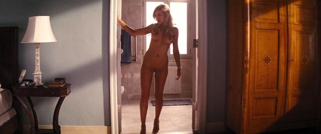 Katarina Čas gola pokaže vse svoje čare