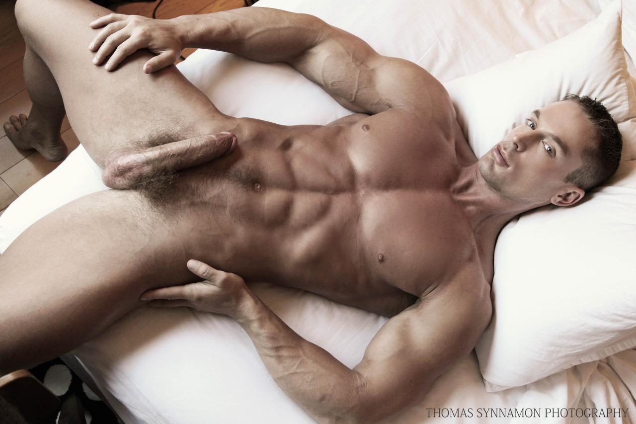velik-penis-se-predstavi-5